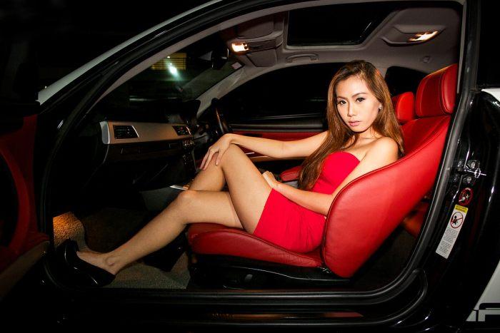美艳车模蜜恋BMW 3系改装车