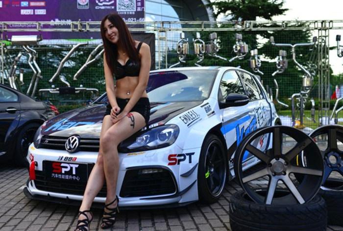 高挑车模的激情伴侣 大众Golf改装车