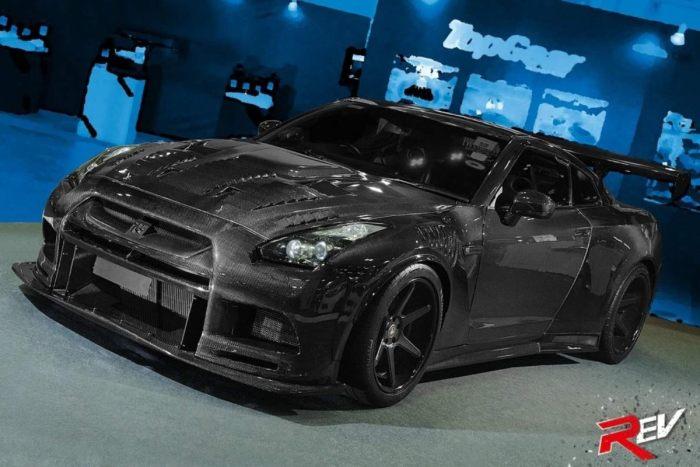 极致轻量化的艺术,这台全碳的战神GT-R真是满满的杀气!