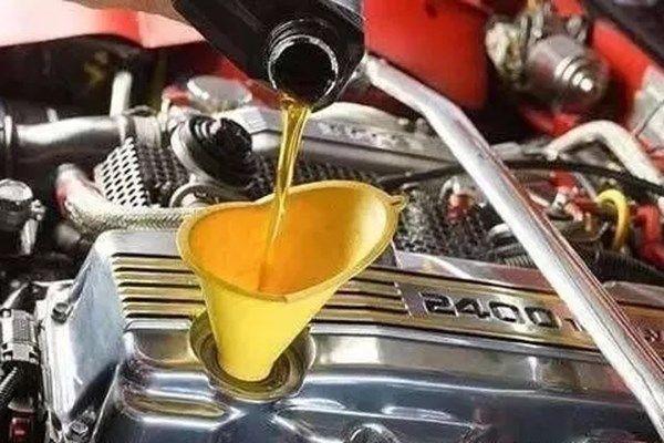 车开久了油耗越来越高,记得换下这个零件,每月轻松省下不少钱