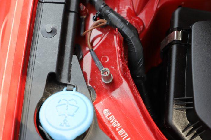 详解宝马新3系后置式AGM自动启停电瓶 瑕瑜互见耐人寻味