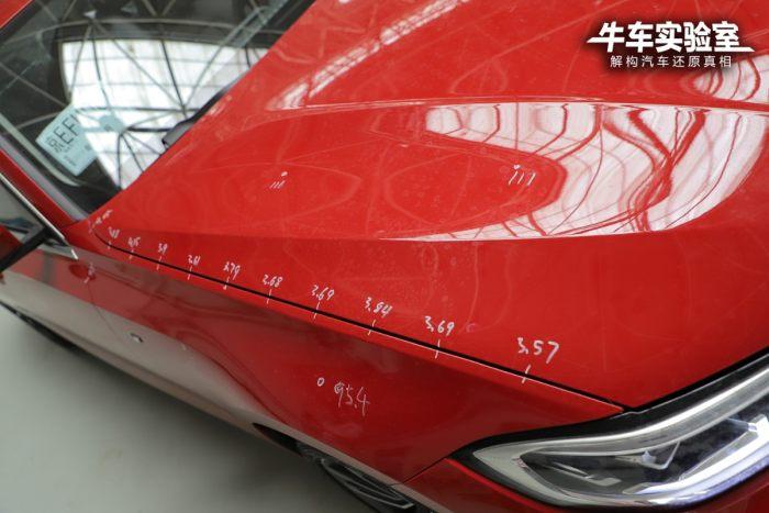 宝马新3系装配工艺实测及点评 缝隙间距略大/漆面均匀度欠佳