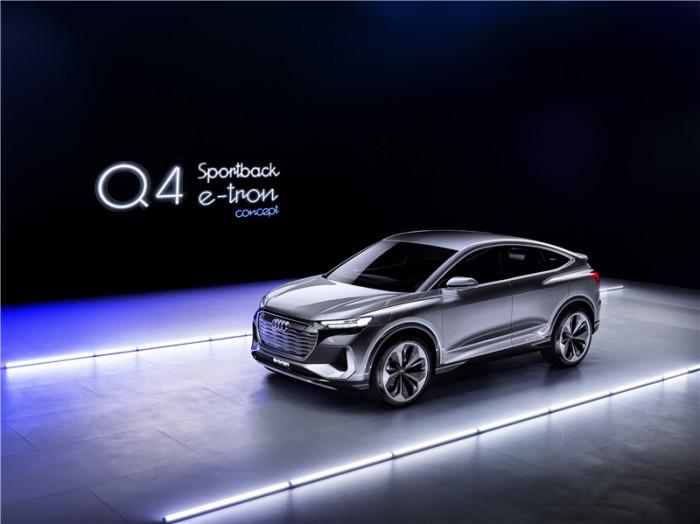 和e-tron有本質區別?奧迪Q4 Sportback e-tron概念車首秀
