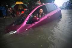 汽车入水了怎么办?