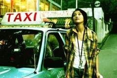 出租车司机载客的时候该不该礼让行人?