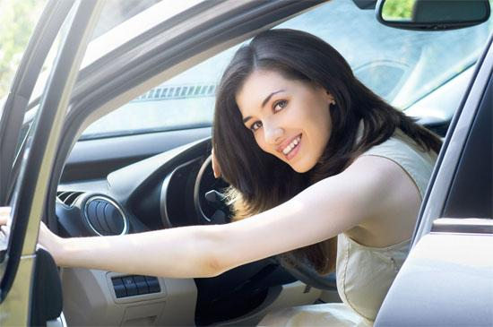 开车常犯的11个致命错误 你们的驾照都是体育老师教的吗?