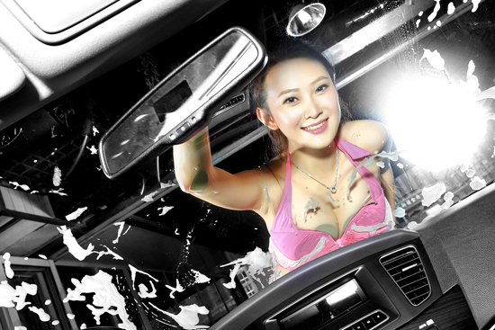 女司机性感洗车