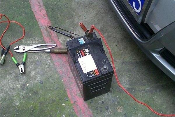 检测蓄电池