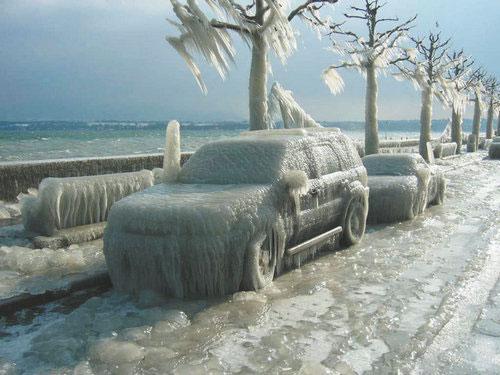 汽车被冻住了