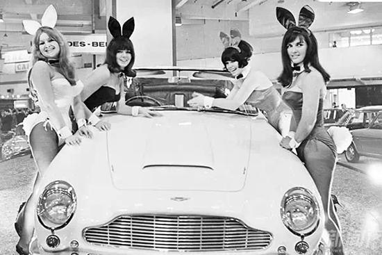 兔女郎形象的车模