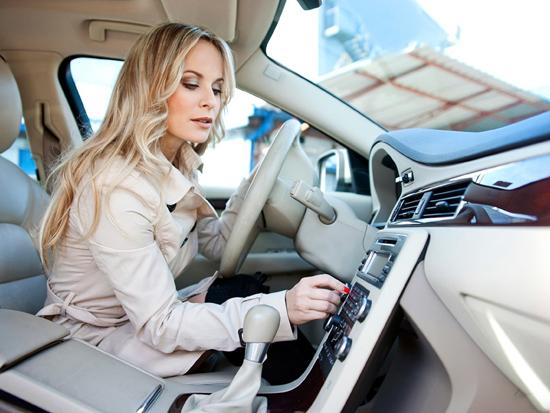 開車聽音樂