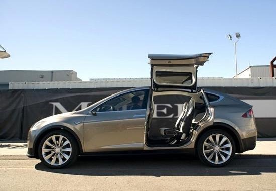 Model X车侧.jpg