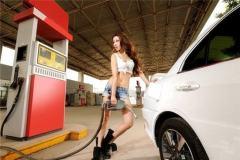 过年的时候高速不缴费,油费还便宜,好不惬意!但是听说油价要涨了?