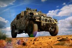 前阵看牛车网盘点了军车和警车,想问问各位大虾,比较牛13的军用越野车有哪些啊?