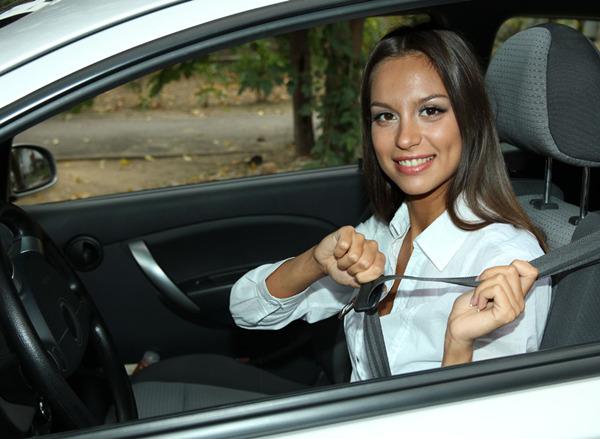 开车系好安全带