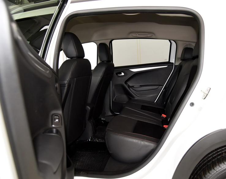 C3-XR的后排座椅