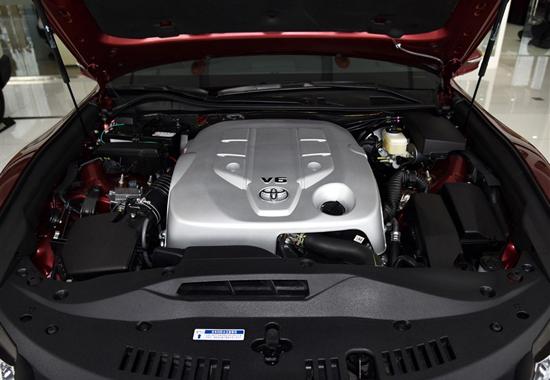 新皇冠V6发动机.jpg