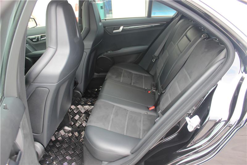 C63后排座椅