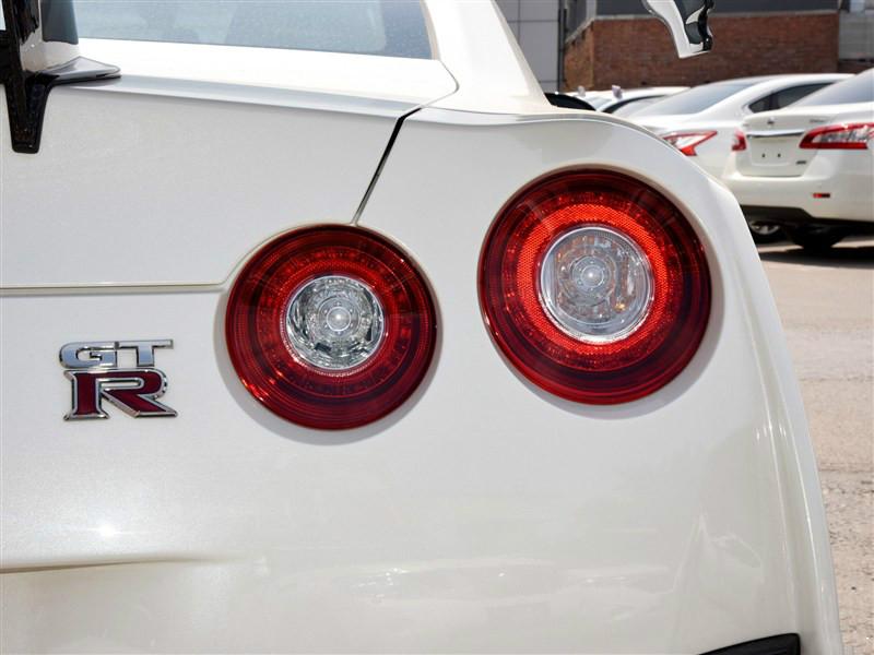 日产GTR