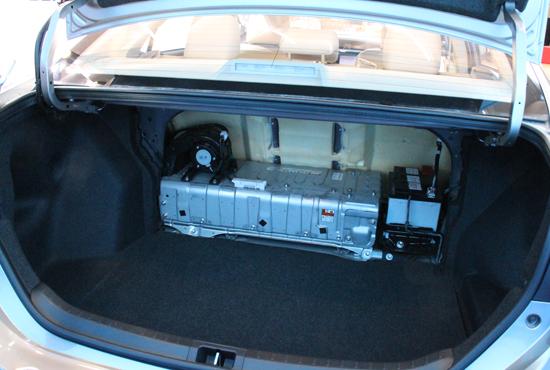 后备箱电池组.jpg