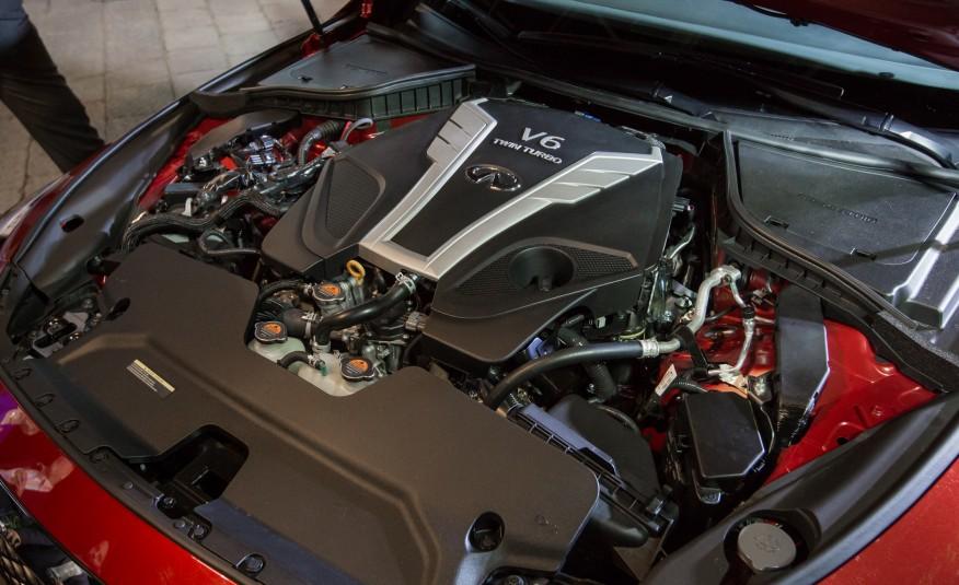 2016款英菲尼迪Q50发动机