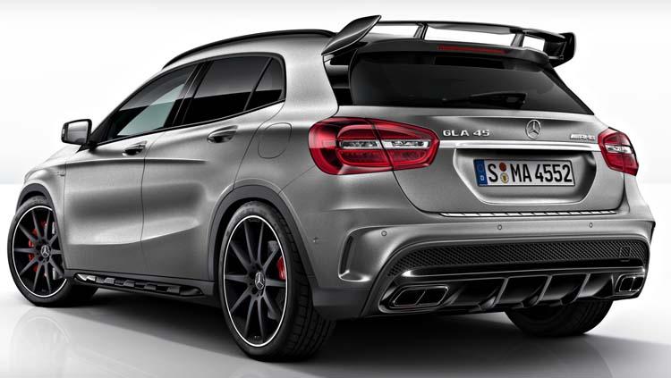 Nuevo-Mercedes-Benz-GLA-45-AMG-tra.jpg