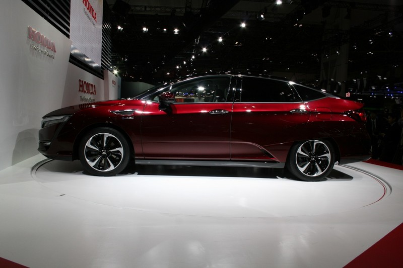 honda-clarity-fuel-cell (1).jpg