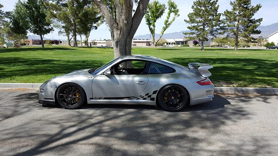 Porsche_911_GT3_LS3_V8_04.jpg